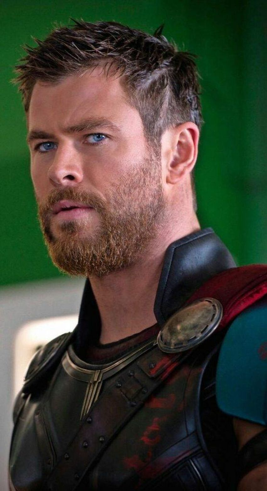 Chris Hemsworth Net Worth 2019, Early Life and Career ...